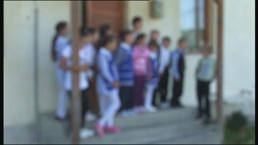 Poveste cutremuratoare in Prahova: un elev de 8 ani a murit spanzurat cu o bretea de la ghiozdan