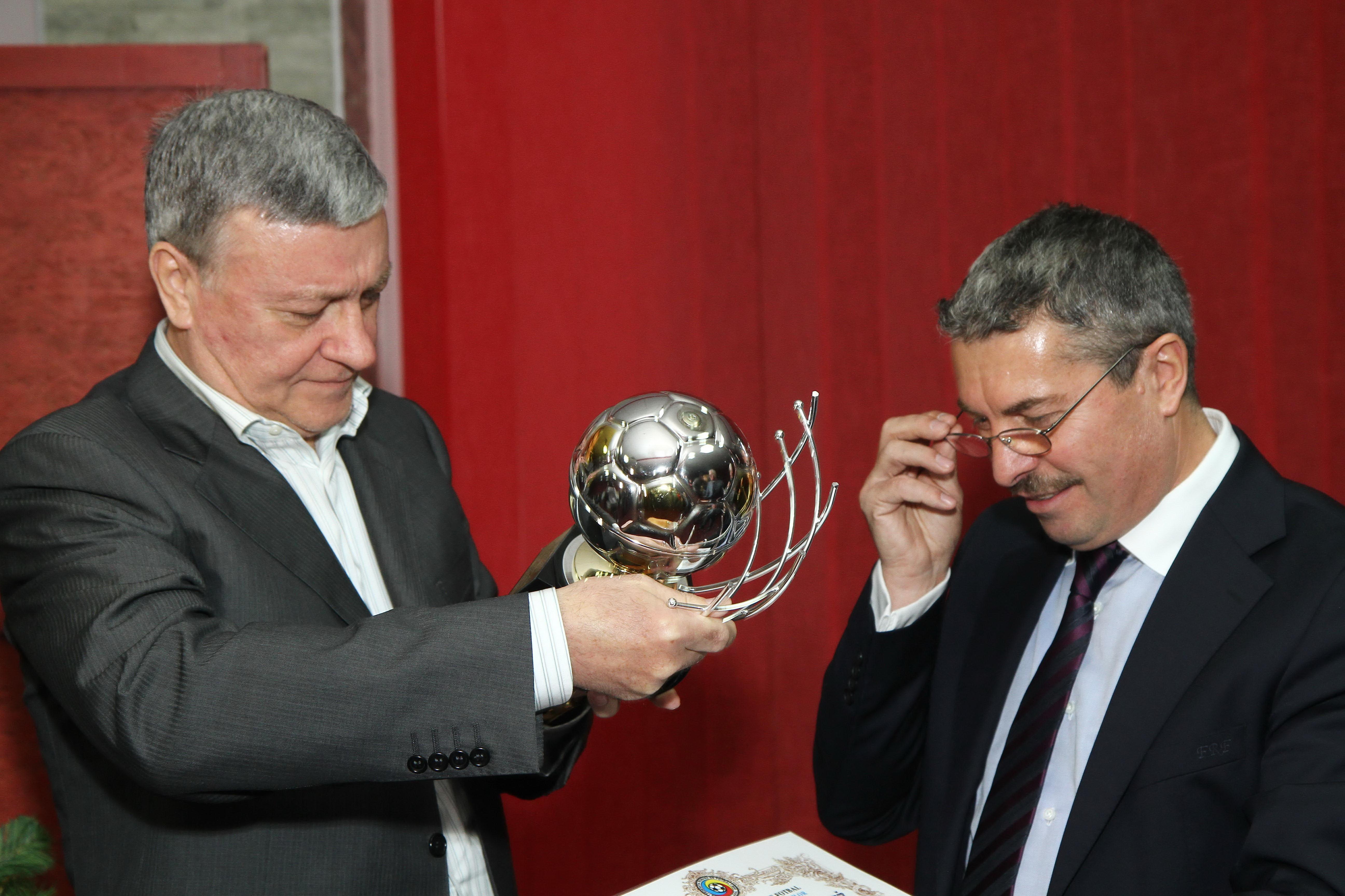 De ce crede Mircea Sandu ca seful arbitrilor n-a luat mita: