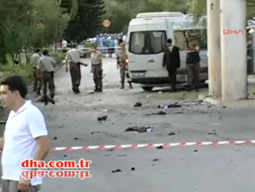 Atentat sinucigas in Antalya, Turcia. Un terorist kurd s-a aruncat in aer