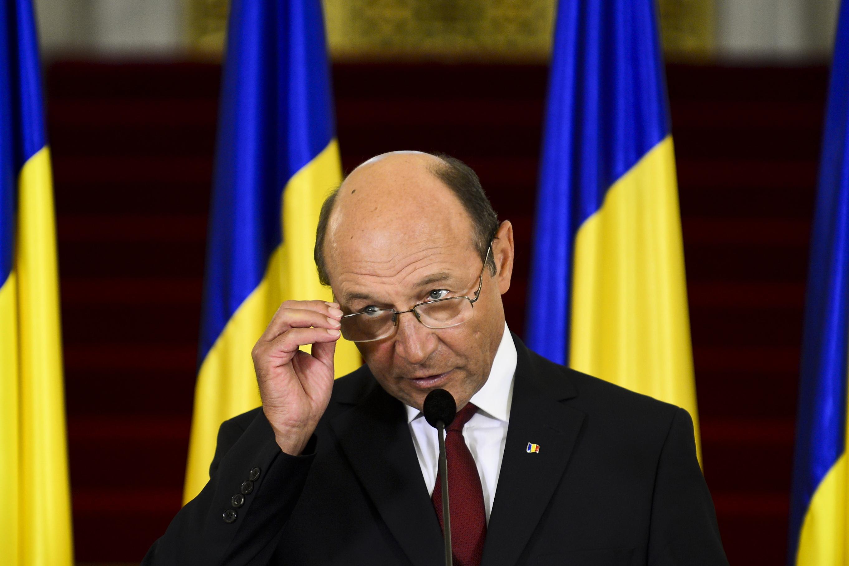 Basescu, interceptat in timp ce discuta cu Blejnar. Presupusa STENOGRAMA si reactia Presedintiei