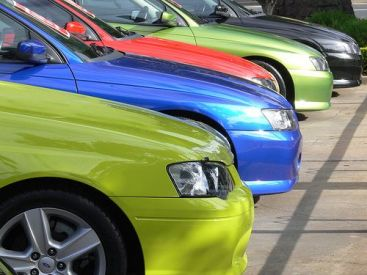 Afaceri cu masini furate. Cum functiona reteaua de inselaciune a unui prosper