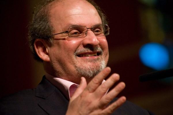 O romanca a stat cu Salman Rushdie la o tuica si un pahar de vin. La masa cu cei mai mari scriitori ai lumii