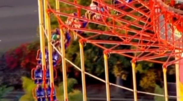 Cateva minute de adrenalina s-au transformat in 3 ore de cosmar intr-un parc de distractii din SUA