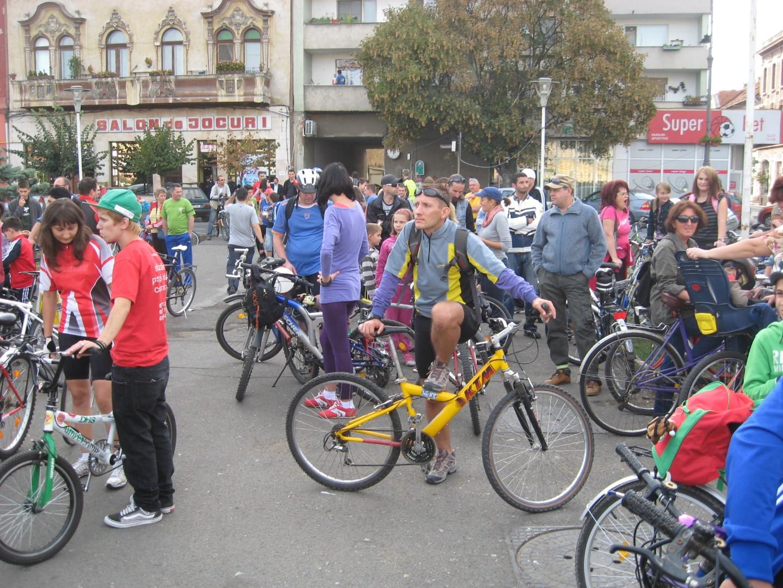 Iarna se numara biciclistii. Oficial, in Vestul tarii<b>, 1.000 de persoane iubesc sportul pe dou</b>a roti