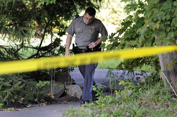 Un barbat inarmat a ucis trei ostatici, intr-o cladire din SUA. Criminalul a fost omorat de politie