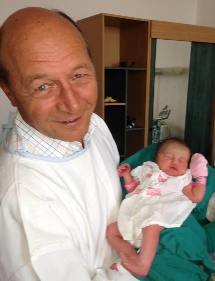 Elena Basescu a nascut. Presedintele: