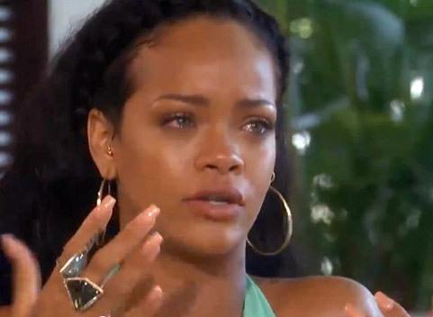 Rihanna cumpara informatii despre OZN-uri. Este convinsa ca extraterestrii exista