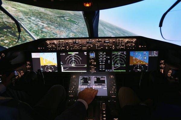 Aeronava care va fi cumparata pentru inaltii demnitari din Romania costa 56 de milioane de euro