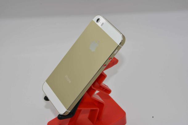 Erorile descoperite la bateria noului iPhone 5S. Apple anunta clientii ca le va schimba telefoanele