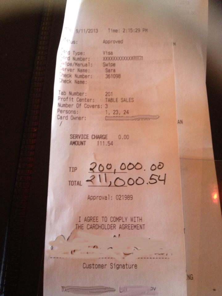 O chelnerita din SUA sustine ca a primit un bacsis de 200.000 de dolari. FOTO