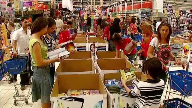 Vanzari record de rechizite pentru magazinele din Capitala. Cat au lasat la case parintii