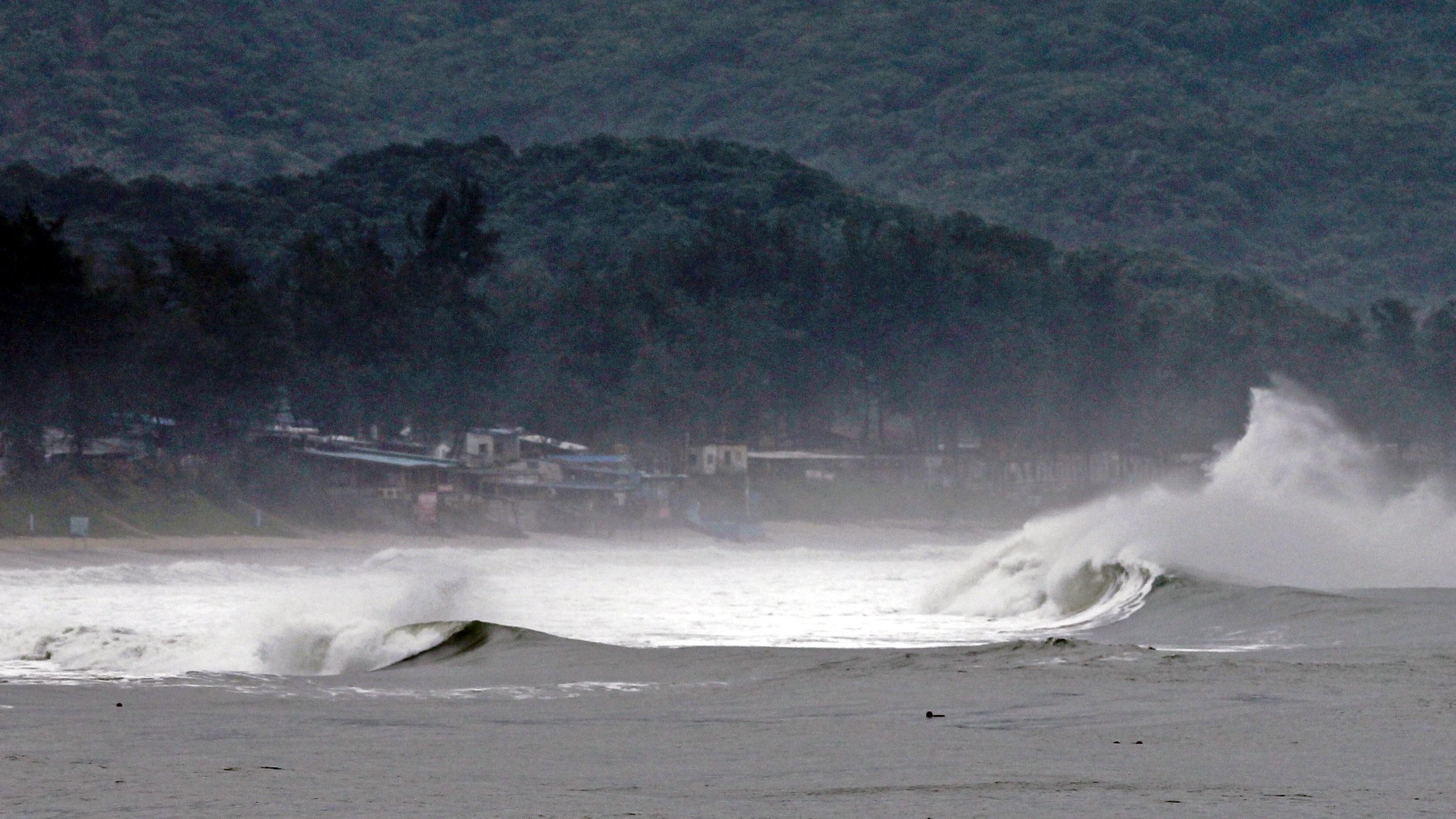 Japonia va fi lovita de un nou taifun care ar putea afecta centrala nucleara de la Fukushima