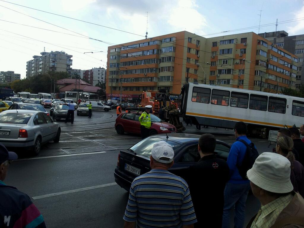 Trafic blocat in Capitala, dupa ce un tramvai a deraiat