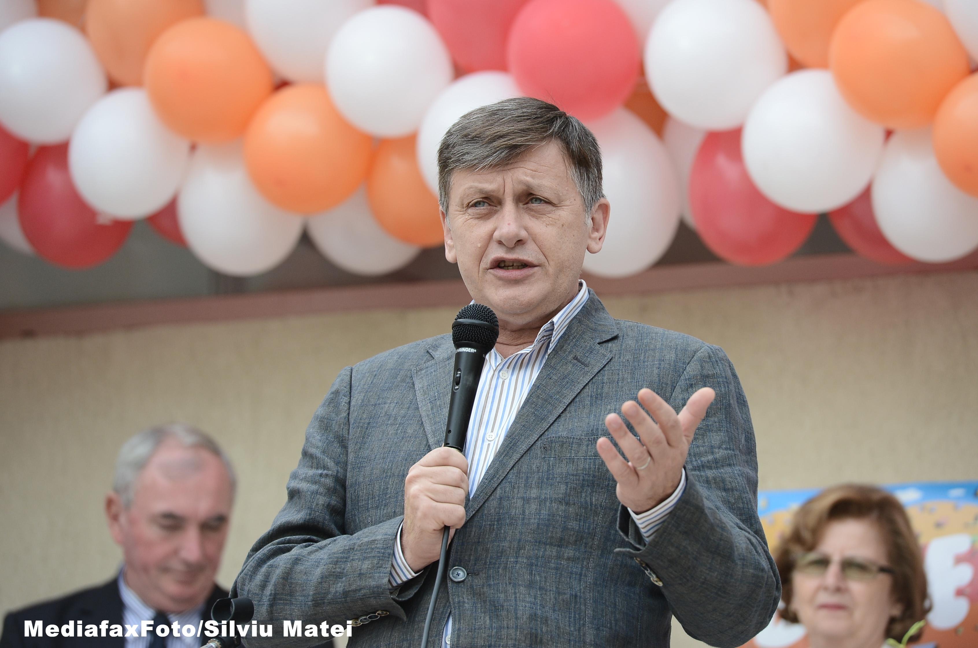 Decizie radicala a lui Crin Antonescu. Ce a anuntat ca va face dupa ce isi va termina mandatul de senator, in 2016
