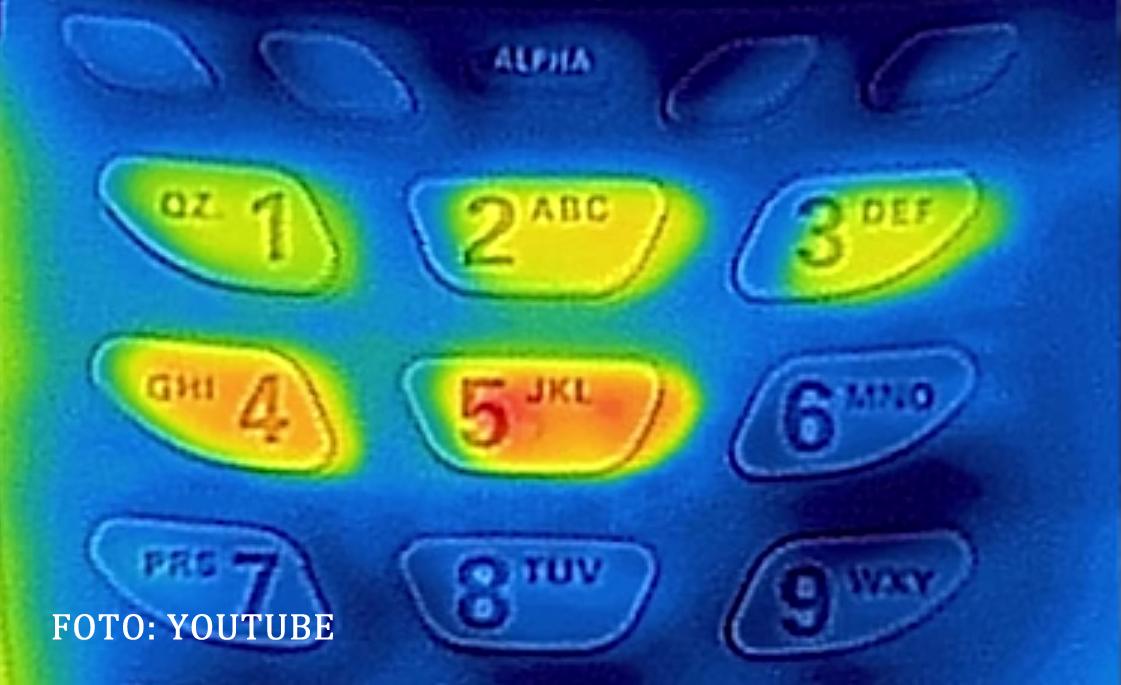 Carcasa de iPhone care poate sa iti fure PIN-ul de la card in cateva secunde. Cat de usor este de cumparat