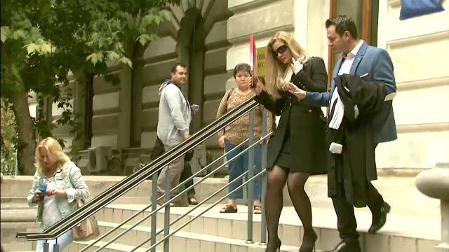 Cristi Borcea va fi supus unui test de paternitate. O avocata din Bucuresti sustine ca el e tatal fetitei ei de 7 ani