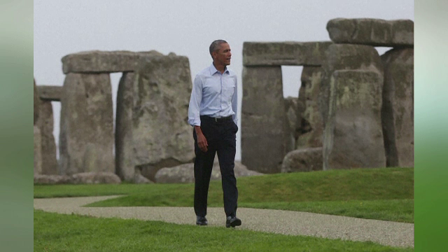 Barack Obama a vizitat Templul de la Stonehenge dupa summitul NATO. Reactia turistilor care l-au intalnit pe presedintele SUA