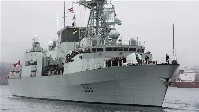 Un avion de vanatoare al fortelor militare ruse a survolat o fregata NATO, aflata in Marea Neagra