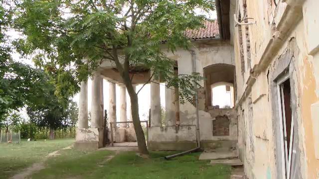 Au dat Germania pe viata la conac, in Romania. Povestea sotilor Radermacher, care au resturat o adevarata opera de arta