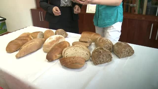 Cum a ajuns painea neagra sa fie cel mai falsificat produs din Romania. Consumam carmin, cacao, caramel sau cenusa de vatra
