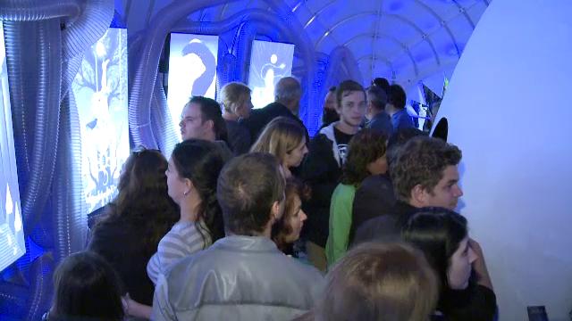 Prima noapte de distractie la sarbatoarea Bucurestiului. Expozitii 3D, tango si concerte in aer liber, cu mii de spectatori
