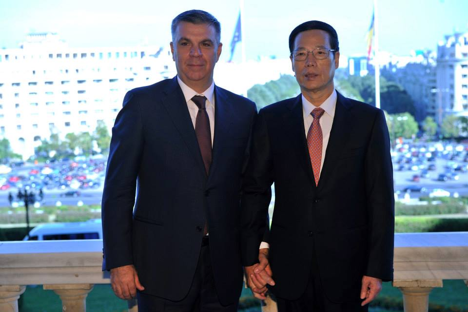 Valeriu Zgonea, dupa ce s-a fotografiat in timp ce il tine de mana pe vicepremierul Chinei: