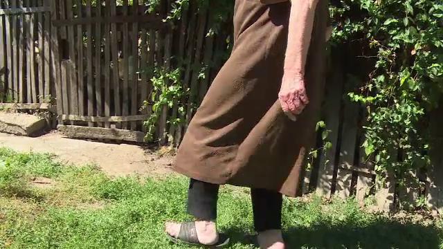 Un tanar din Dambovita s-a imbatat si a talharit si abuzat o vaduva de 79 de ani. Ce a facut batrana dupa ce a scapat de el