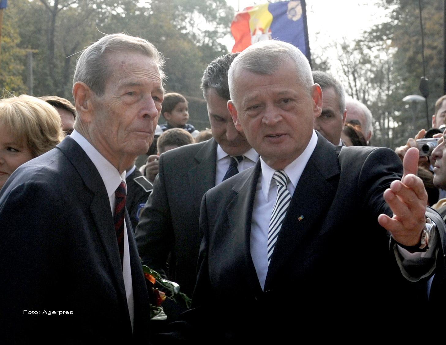 Regele Mihai i-a retras lui Sorin Oprescu calitatea de membru al Ordinului Coroana Romaniei. Anuntul facut de Casa Regala