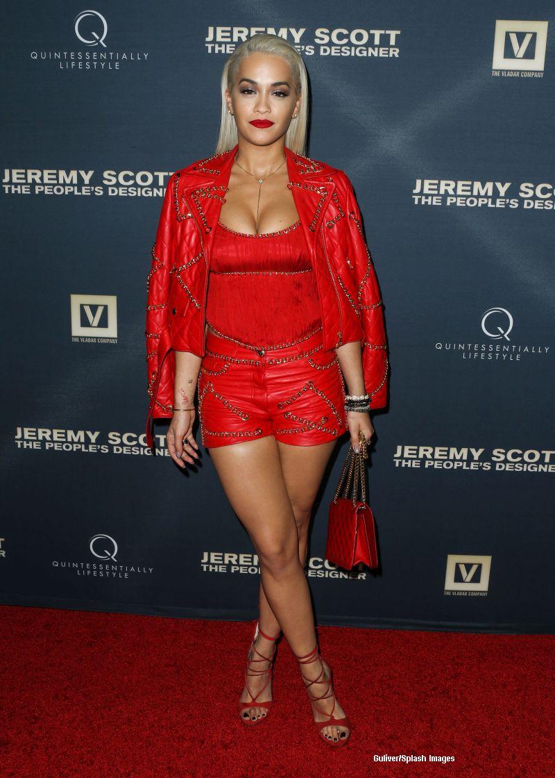 Rita Ora, din nou in atentia paparazzilor. Cum a venit imbracata la un eveniment monden