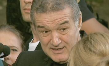 Gigi Becali a trimis un executor la Primaria Capitalei, condusa de fina lui. Suma uriasa pe care trebuie sa o primeasca