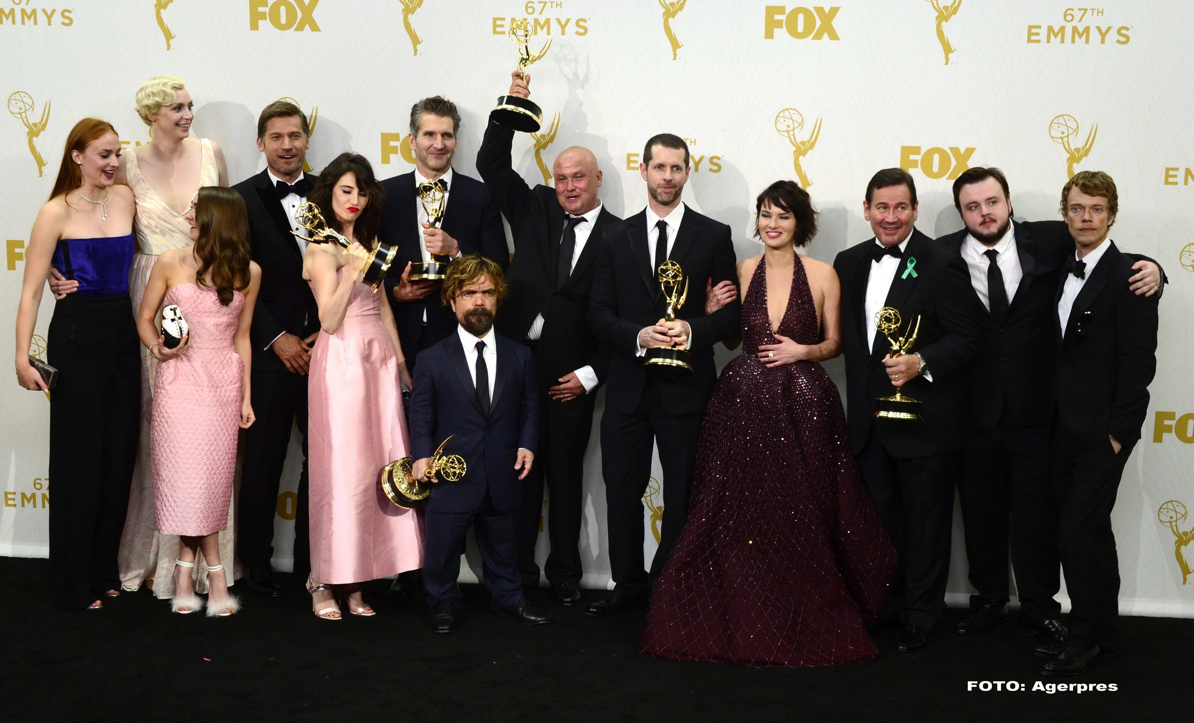 PREMIILE EMMY 2015. Game of Thrones a luat trofeul pentru cel mai bun serial dramatic. Julia-Louis Dreyfuss, inca un Emmy