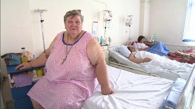 Cum umileste sistemul medical din Romania o femeie supraponderala din cauza unei tumori: