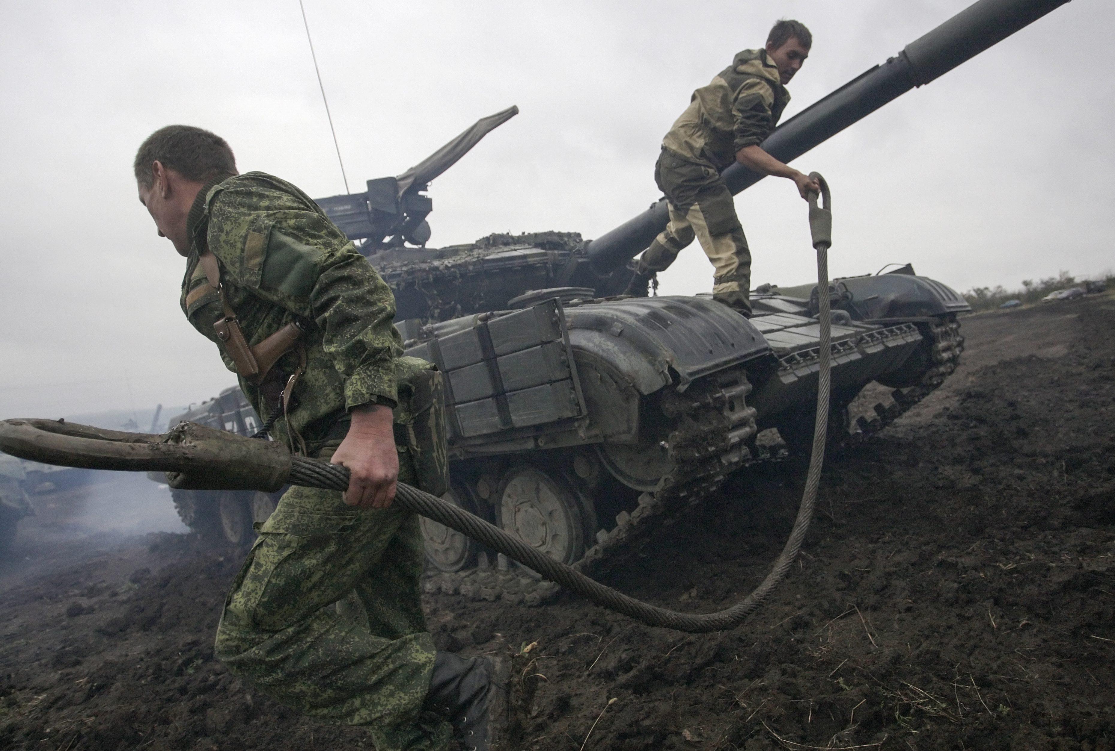 SUA ar putea trimite arme Ucrainei, pentru a o sprijini in lupta impotriva rebelilor prorusi.