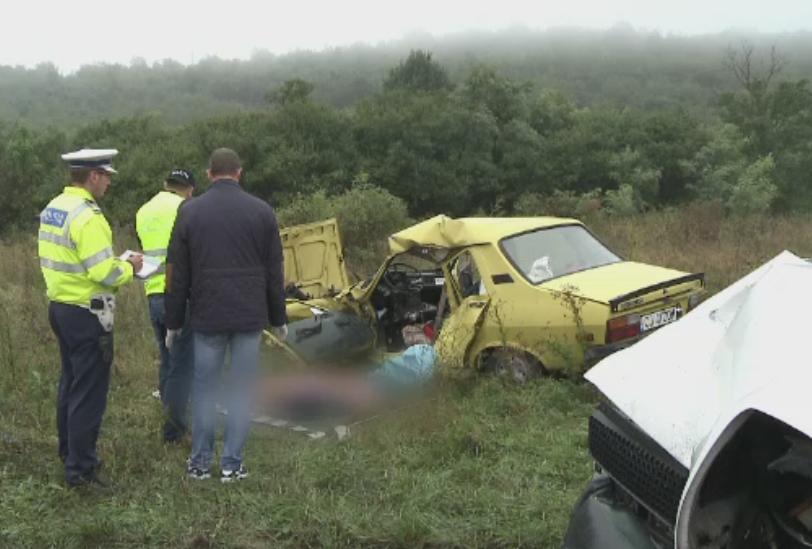 Sfarsit tragic pentru un cuplu de varstnici. Masina in care se aflau s-a ciocnit cu o furgoneta, pe DN1