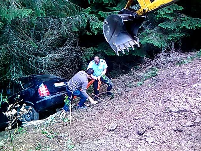 Accident dramatic in Bucegi: 4 turisti au cazut cu masina intr-o rapa. Cum au reusit sa se salveze