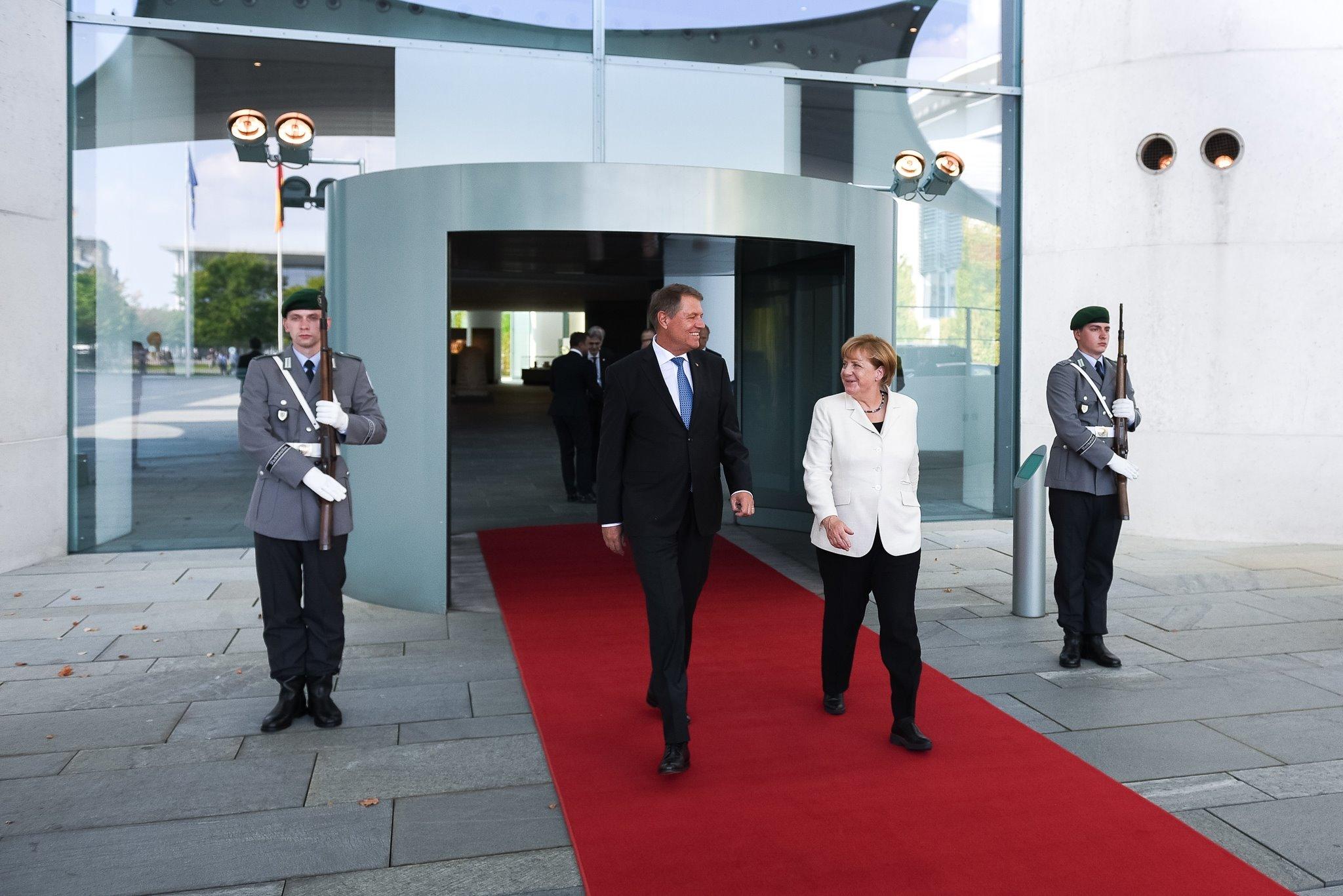 Anuntul facut de Klaus Iohannis, dupa ce s-a intalnit cu Merkel in Germania. Ce propunere a facut presedintele Romaniei