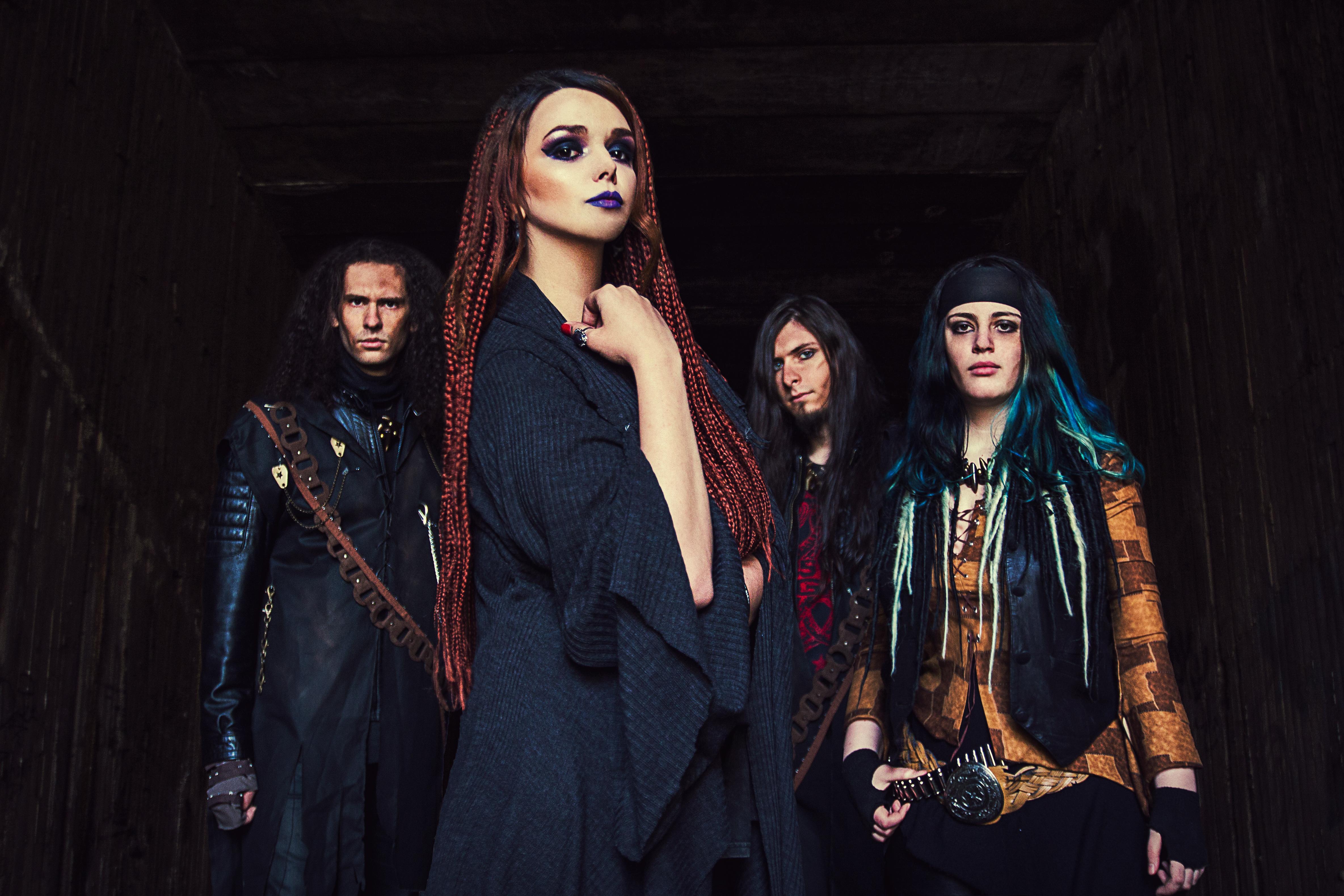 Miscarea pentru underground. Recursive Delusion si Fallen canta la lansarea noului album al trupei Between Colors