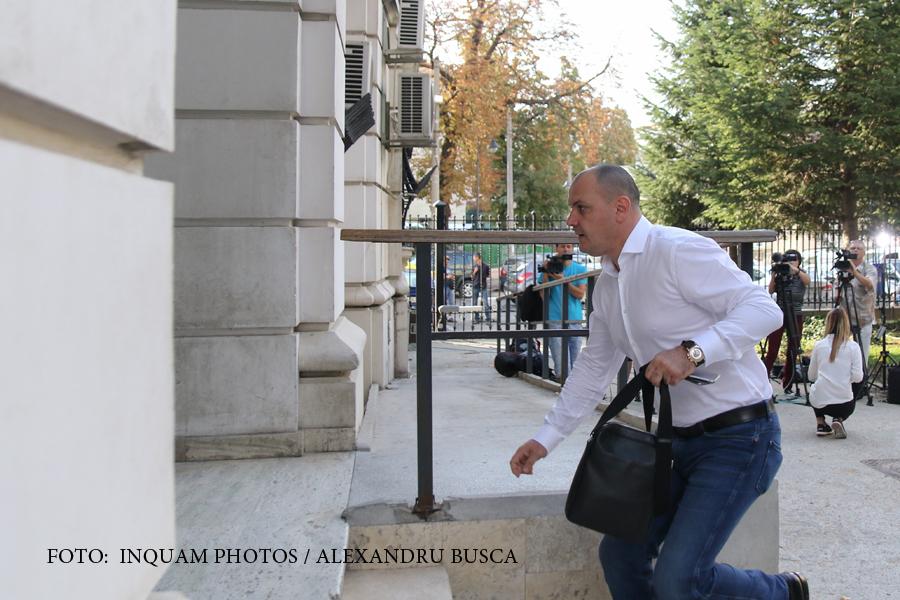 Sebastian Ghita a scapat de controlul judiciar, insa doar intr-un dosar. Acuzatiile DNA la adresa deputatului