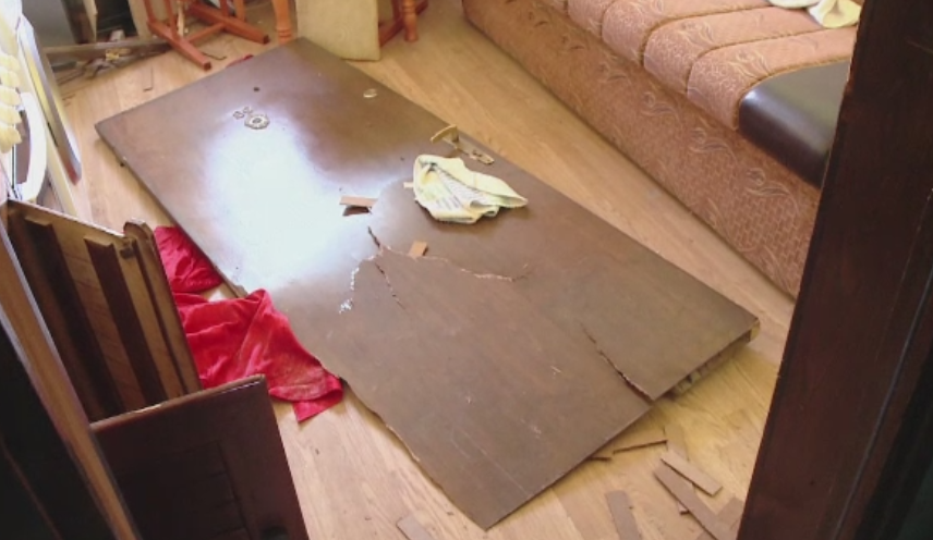Explozie intr-o locuinta din Busteni. O femeie si un barbat au ajuns la spital cu arsuri grave