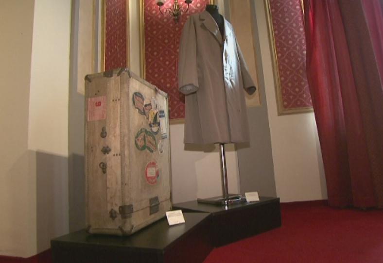 Obiecte ce au apartinut lui Brancusi, scoase la licitatie. Printre cele mai scumpe - o valiza de 5.000 de euro