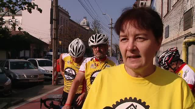 Trei belgieni se ocupa de o cauza nobila in Romania: ingrijirea la domiciliu a batranilor de la tara. Ce suma vor sa stranga