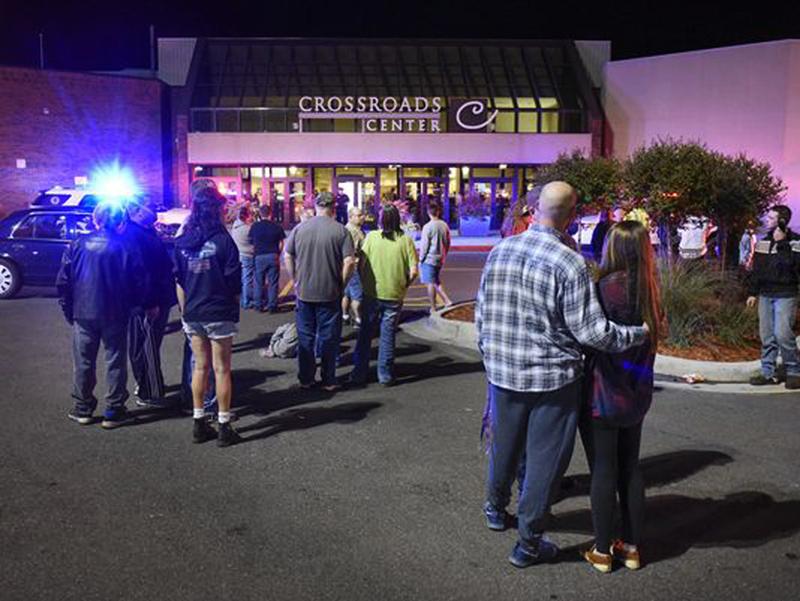 Statul Islamic revendica atacul cu arma alba dintr-un centru comercial din Minnesota