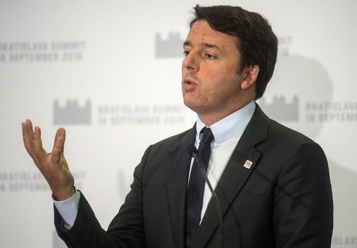 50 de milioane de italieni, chemati la urne intr-un referendum decisiv pentru tara. Premierul Matteo Renzi ar putea demisiona