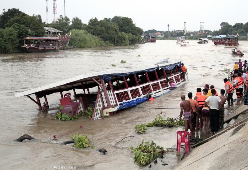 Scene dramatice in Thailanda. 15 morti dupa ce un vas cu 100 de pasageri s-a rasturnat: