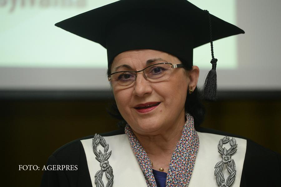 Senatorii liberalii vor depune plangere penala in cazul modificarii legii Educatiei. Reactia Ecaterinei Andronescu