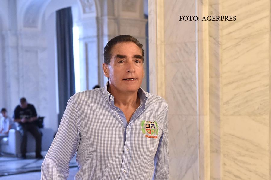 Petre Roman ar putea sa redevina parlamentar pentru 3 luni. Statul i-ar fi dator cu 90.000 de lei din indemnizatiile restante