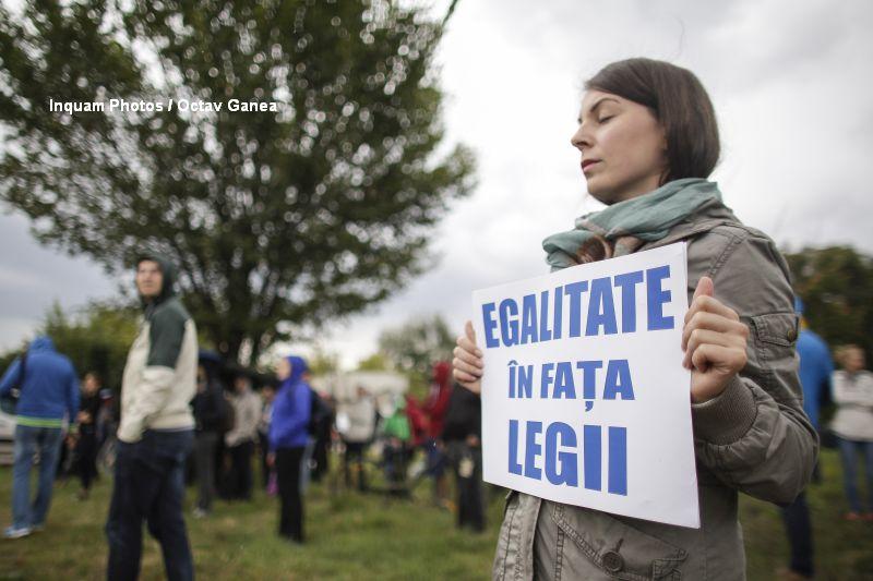 Filmul protestelor dupa votul Senatului in cazul Oprea. Fiul lui Gabriel Oprea: