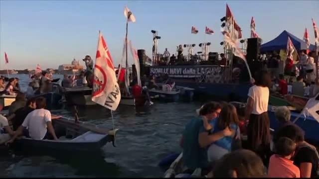 Proteste in Venetia. Localnicii si-au manifestat nemultumirile impotriva numarului mare de turisti din orasul-laguna