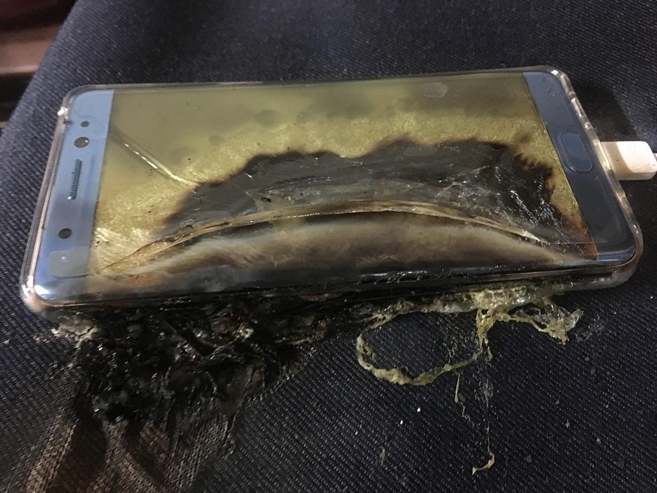 Samsung isi mai incearca o data norocul cu Note 7. Noul model promite sa