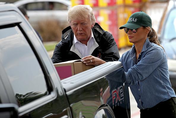 9.000 de case distruse în Texas de uraganul Harvey. Gafa făcută de Trump după ce a vizitat sinistrații